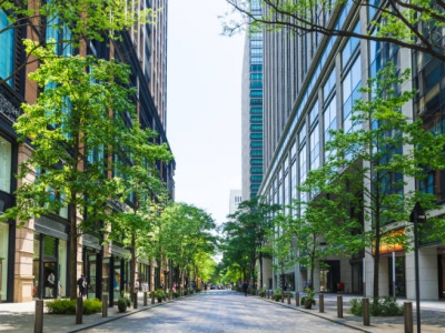 Shooting of Marunouchi office street in early summer